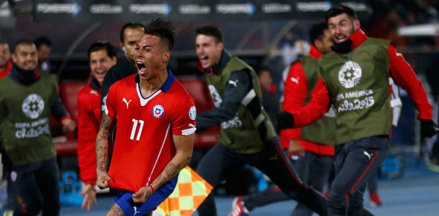 Vargas mete a Chile en 'su' final ante una combativa Perú