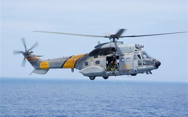 Defensa da por desaparecidos a los tres militares del helicóptero siniestrado en el Atlántico
