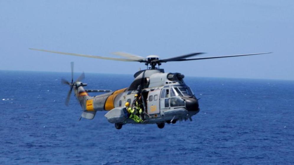 Defensa busca por aire y mar a los tres militares desaparecidos porque no descarta que sigan vivos