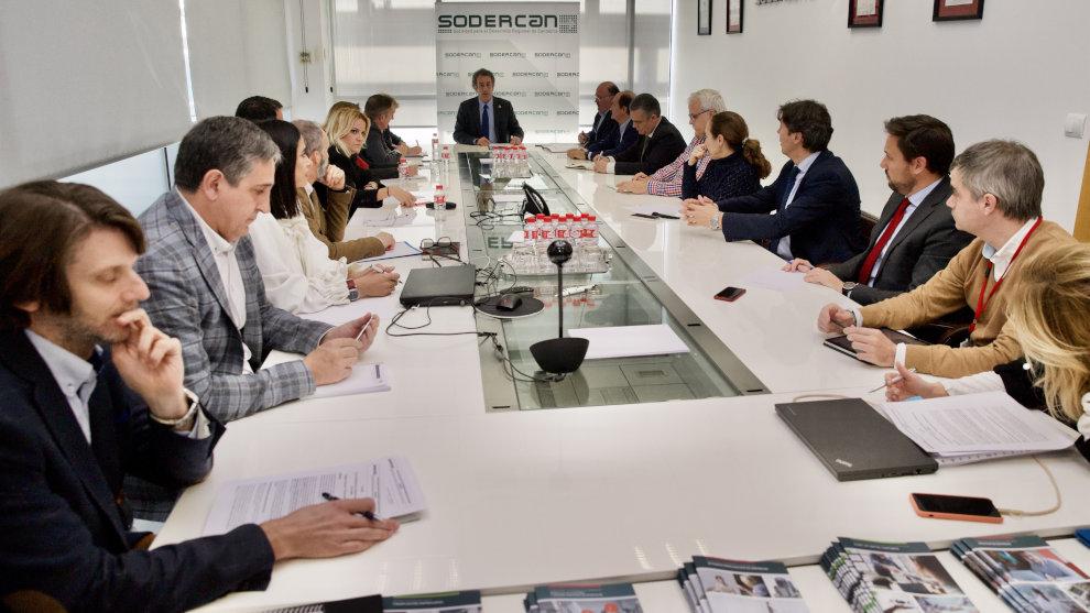 Industria destinará casi 4 millones de euros a abrir nuevos mercados a las empresas cántabras