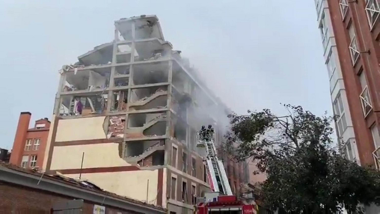 EN DIRECTO | Una violenta explosión destruye varias plantas de un edificio del centro de Madrid