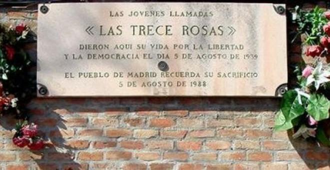 Placa conmemorativa del fusilamiento hace 75 años de Las 13 Rosas.