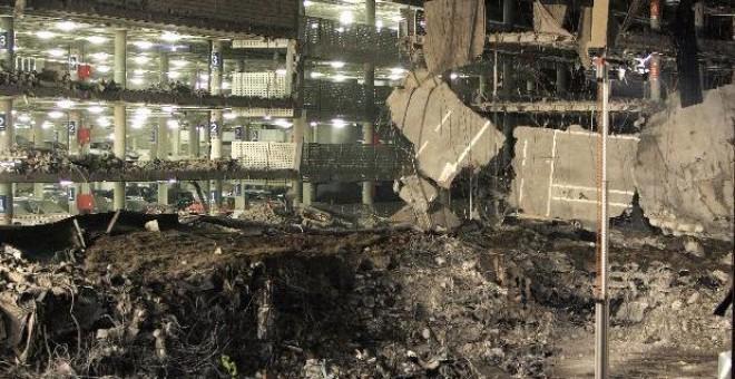 Vista del módulo D del aparcamiento de la Terminal T-4 del Aeropuerto madrileño de Barajas tras el atentado de ETA.