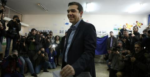 Alexis Tsipras en el momento de votar. / REUTERS/Alkis Konstantinidis