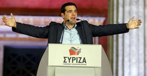El líder de Syriza, Alexis Tsipras, se dirige a sus simpatizantes y seguidores tras ganar las elecciones parlamentarias en Grecia. REUTERS/Marko Djurica