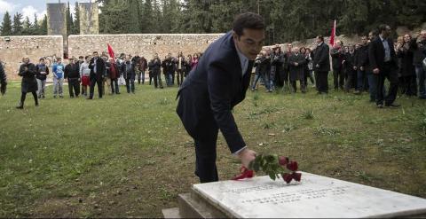 Alexis Tsipras en el memorial por los 200 griegos que murieron luchando contra la ocupación nazi. - CLEMENTE BERNAD