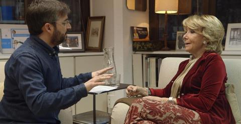 Un momento de la entrevista de Jordi Évole a Esperanza Aguirre.