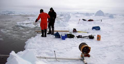 El deshielo progresivo del Ártico supone una mina para las empresas de gas y petróleo. AFP