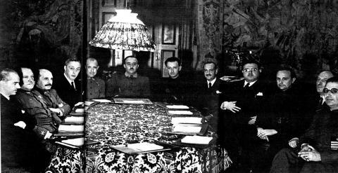 Once ministros forman el primer Gobierno de Franco, constituido en Burgos el 30 de enero de 1938