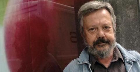 El escritor y periodista Moncho Alpuente, en una foto de archivo. EFE