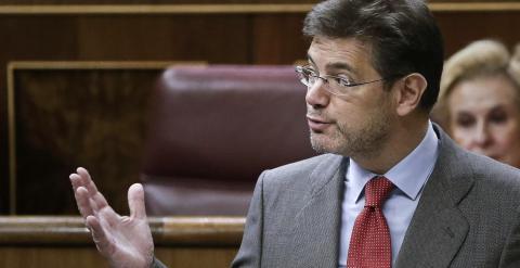 El ministro de Justicia, Rafael Catalá, durante su intervención en el pleno celebrado el 16 de abril en el Congreso de los Diputados. EFE/Emilio Naranjo