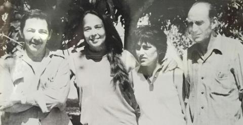 Marcos Ana, a la derecha, en Cuba junto a Raul Castro