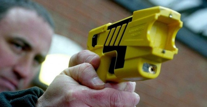 La Guardia Civil dotará a los agentes de las polémicas armas táser 55bfc77e2d4be.r_1493906021035.85-29-958-479