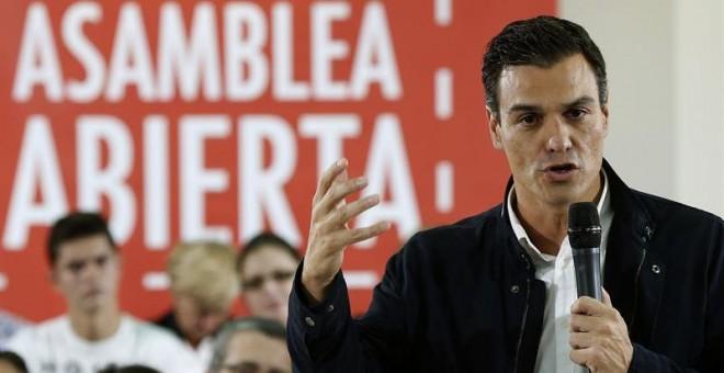 El secretario general del PSOE, Pedro Sánchez, en Arganda del Rey. / CHEMA MOYA (EFE)