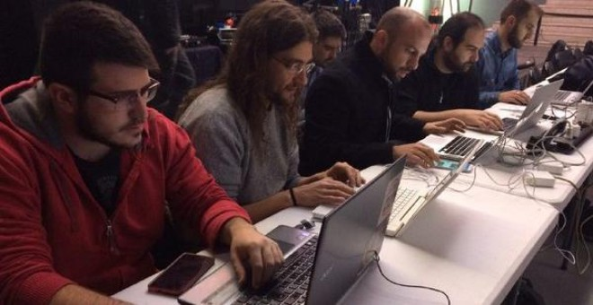 Parte del equipo de redes y de comunicación de Unidad Popular-UI.