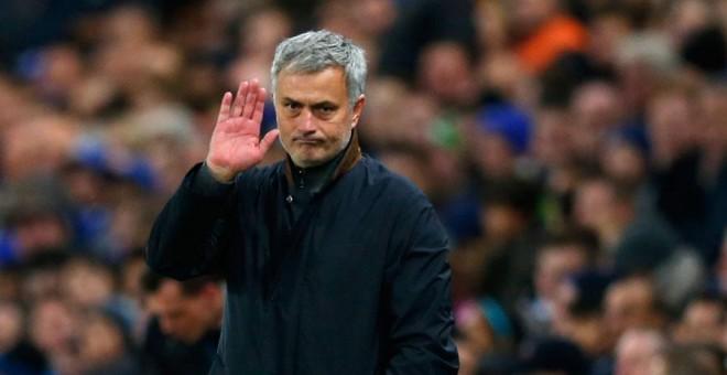 Mourinho, durante uno de los últimos partidos del Chelsea. Reuters / Eddie Keogh