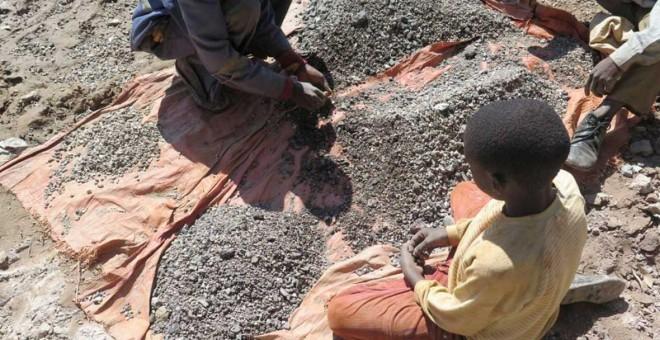 Niño con cobalto en una mina de República Democrática del Congo. AMNISTÍA INTERNACIONAL