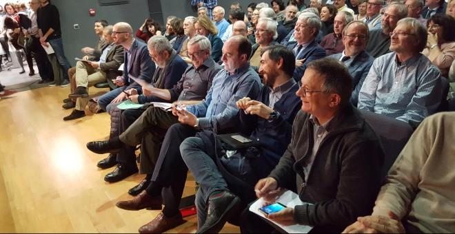 De izquierda a derecha, Manolo de la Rocha, miembro de la Comisión Ejecutiva del PSOE, Juan Zafra, co-Director de bez.es, Eduardo Garzón, economista, miembro de IU, Nacho Alvarez, Comisión Ejecutiva de Podemos, Cándido Mendez, Secretario General de la UGT