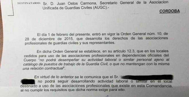 Carta que ha recibido uno de los empleados de la AUGC en la que se le comunica que no puede seguir desempeñando su trabajo en las dependencias oficiales de la Guardia CIVIL. AUGC