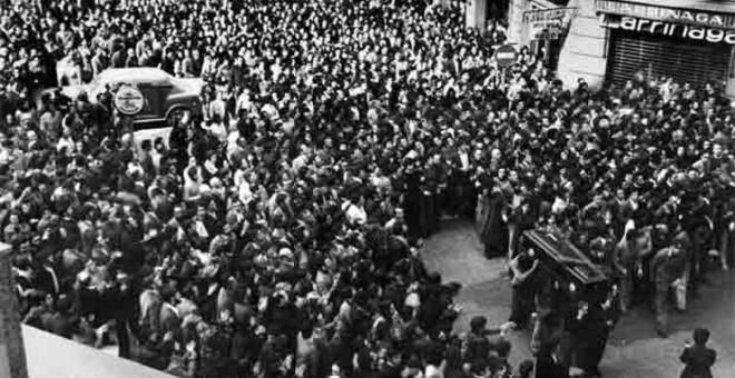 Funeral de los cinco obreros asesinados por la Policía en Vitoria en 1976