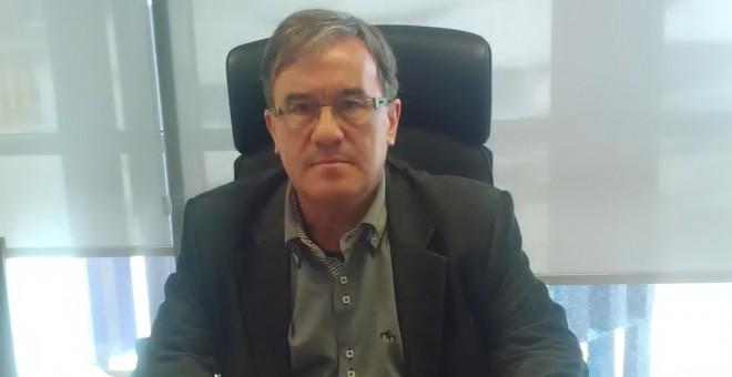 El juez decano de Zaragoza, Ángel Dolado, recibió a Público esta semana en su despacho de la capital aragonesa. EDUARDO BAYONA