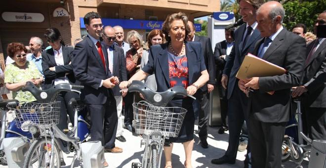 Rita Barberá durante la presentación de Valenbisi en junio de 2010