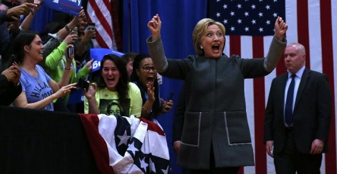 Hillary Clinton en un acto electoral en un instituto de Norfolk, Virginia. - AFP