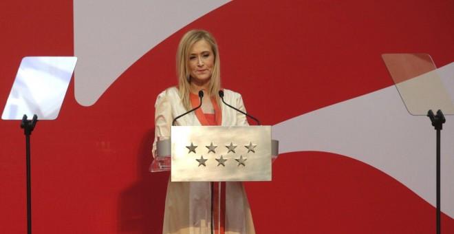 La presidenta regional, Cristina Cifuentes, durante su intervención en el acto de imposición de Medallas y Condecoraciones de la Orden del Dos de Mayo, con motivo del Día de la Comunidad de Madrid. EFE/Zipi
