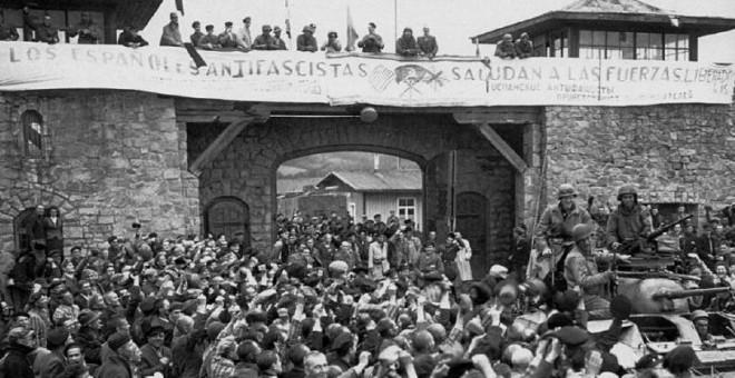Los españoles presos en Mauthausen y Gusen recibieron con una pancarta a las tropas aliadas