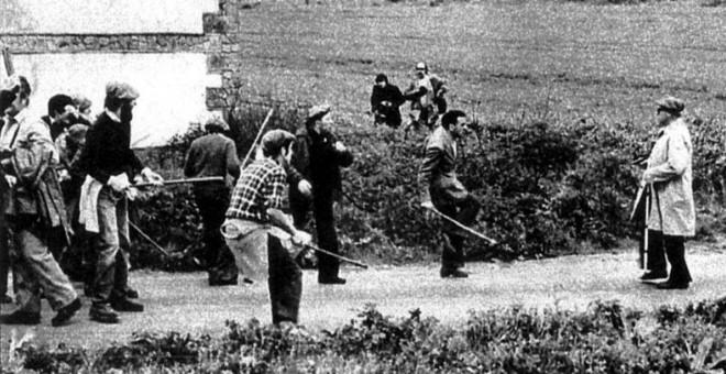"""""""El hombre de la gabardina"""", el oficial retirado del ejército, José Luis Marín García-Verde, dispara mortalmente a  Aniano Jiménez.- PARTIDO CARLISTA"""