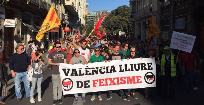 Pancartas antifascistas en Valencia para protestar contra el homenaje a Mussolini. J. C