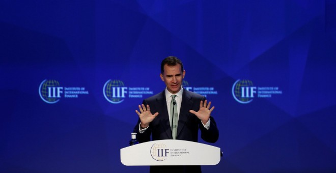 El rey Felipe VI durante su intervención en la apertura de la reunión de primavera del Institute of International Finance (IIF). REUTERS/Susana Vera