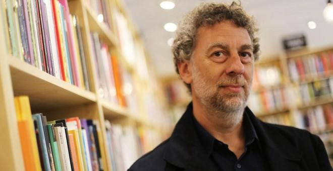 Daniel Feierstein es ociólogo y doctor en Ciencias Sociales por la Universidad de Buenos Aires. Se desempeña como profesor titular de la cátedra Análisis de las Prácticas Sociales Genocidas en la Facultad de Ciencias Sociales de la Universidad de Buenos A