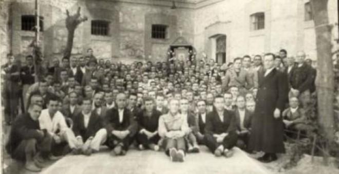 Imagen de los presos republicanos en el penal de Ocaña