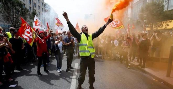 Sindicalistas del CGT participan en una manifestación en Marsella. - EFE