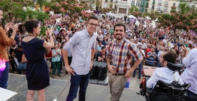 Alberto Garzón e Íñigo Errejón en Málaga, durante su acto de campaña.-IU / JOSÉ CAMÓ