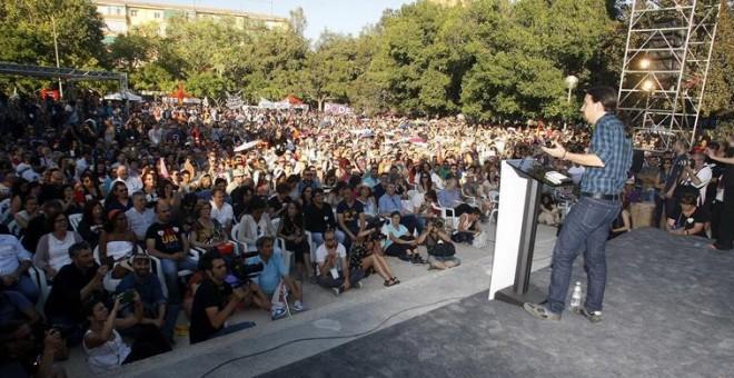 El candidato a la presidencia del Gobierno por Podemos, Pablo Iglesias, durante su intervención en el mitin de Unidos Podemos para las elecciones generales del 26J, celebrado en el parque Lo Morant de Alicante. EFE/Morell