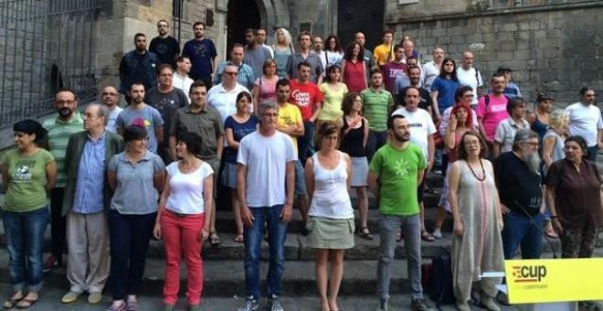 Los miembros de la CUP, tras la rueda de prensa./ EP