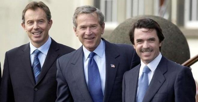 Tony Blair, junto a George Bush y José María Aznar, durante la cumbre de las Azores que precedió a la guerra de Irak.