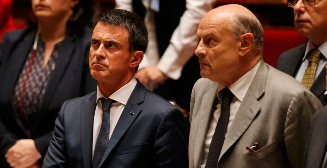 Valls y Le Guen, en la Asamblea Nacional de Francia este miércoles. REUTERS/Regis Duvignau
