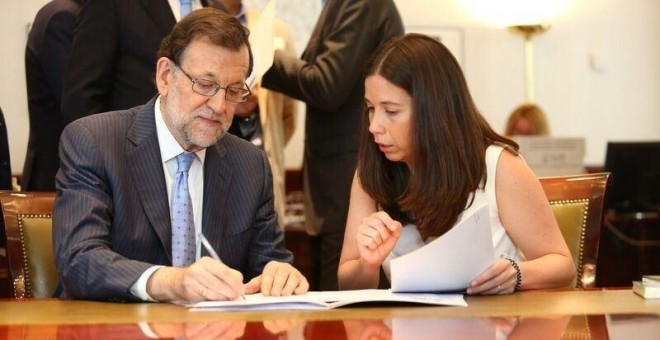 Mariano Rajoy acreditándose como diputado.
