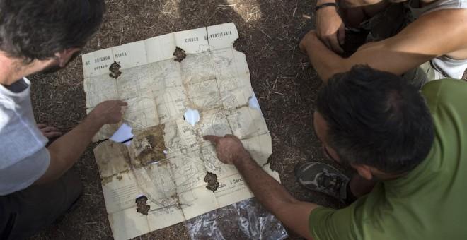 Mapa de operaciones de Ciudad Universitaria de Gregorio Duque Villarte. Está atravesado por la misma bala que le hirió en la mano izquierda.- ÁLVARO MINGUITO