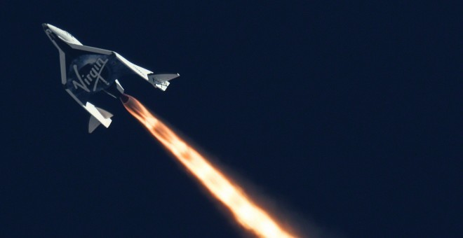 Un SpaceShipTwo de Virgin Galactic durante un vuelo de prueba en 2013.Mars Scientific/Clay Center Observatory