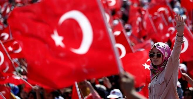 Erdogan saca a la calle a un millón de turcos en su mitin de autoafirmación.- EFE