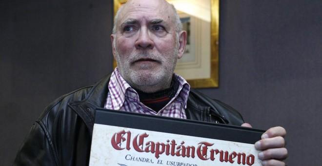 Víctor Mora, el escritor comunista que creó al 'Capitán Trueno'
