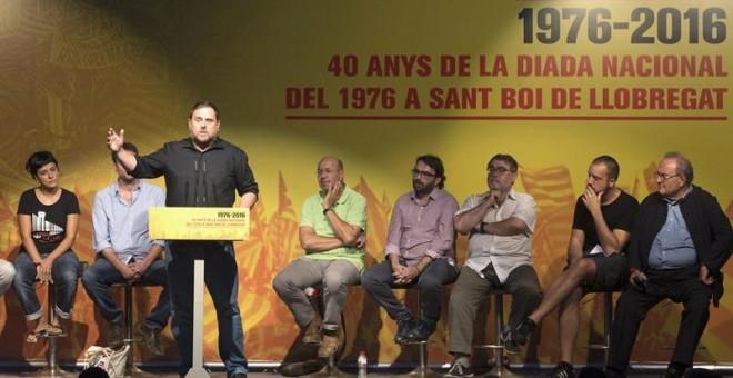 El líder de ERC, Oriol Junqueras durante su discurso en un acto político conjunto protagonizado por ERC, CUP y Podemos. - EFE