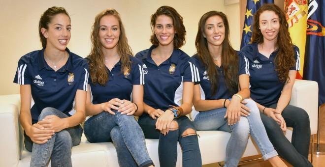 De izquierda a derecha, Alejandra Quereda, Elena López, Lourdes Moheadno, Sandra Aguilar y Artemi Gavezou. /CSD