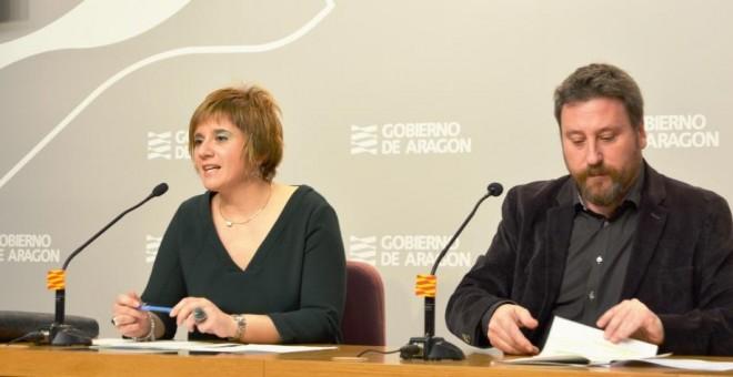El consejero de Vertebración del Territorio de Aragón, José Luis Soro, y la directora general de Vivienda, Mayte Andreu, impulsan la nueva política habitacional en la comunidad.- ARAGONHOY.NET