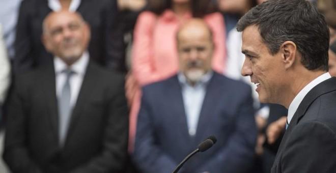 El secretario general del PSOE, Pedro Sánchez, durante un acto de campaña celebrado por los socialistas vasco hoy en Gernika para apoyar la candidatura a lehendakari de Idoia Mendia. EFE/Miguel Toña