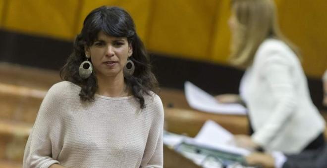 La secretaria general de Podemos Andalucía, Teresa Rodríguez, tras su intervención en una de las sesiones del Parlamento andaluz. JULIO MUÑOZ / EFE